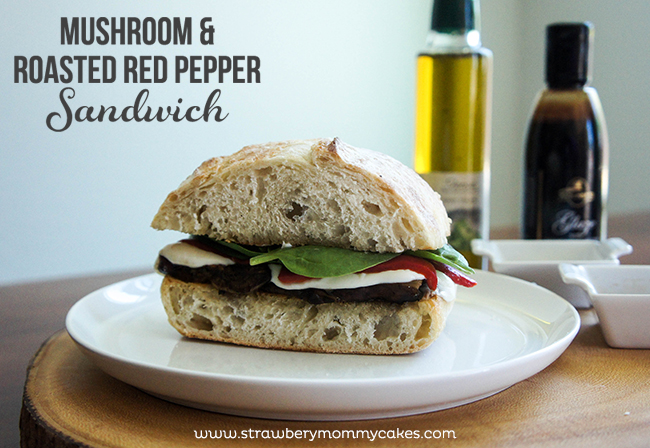 Mushroom & Roasted Red Pepper Sandwich on www.strawberrymommycakes.com #sandwich #recipe