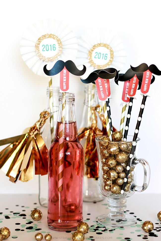 How to make a New Years Mustache Straw Printable