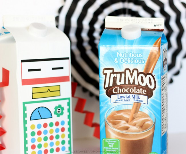 This Banana S'mores Hot Chocolate Recipe is so delicious and incredibly easy to make!