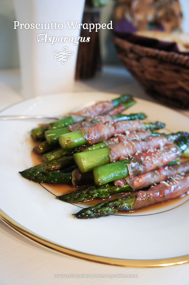 Prosciutto Wrapped Asparagus on www.strawberrymommycakes.com #sidedish #thanksgivingsidedish #recipe