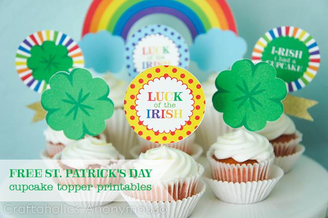 St. Patrick's Day Cupcake Toppers on www.strawberrymommycakes.com #stpatricksdayprintables #printables #freeprintables #stpatricksday