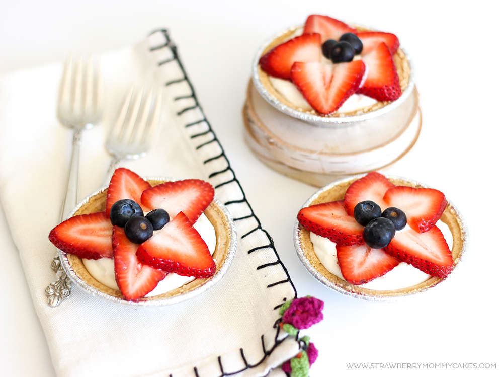 5 Minute Strawberry No-Bake Cheesecakes