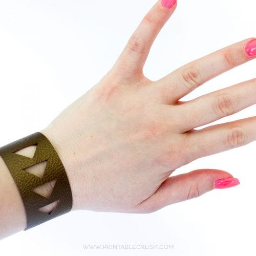 Faux Leather Bracelet Cricut Tutorial