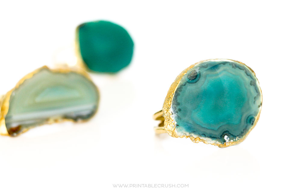 Follow this simple and cheap tutorial for Agate Slice DIY Napkin Rings. They look just like store bought!