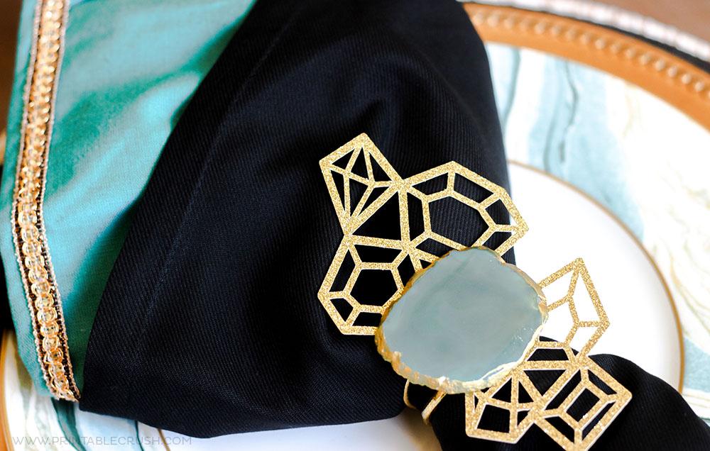 http://printablecrush.com/wp-content/uploads/2017/07/Agate-Slice-DIY-Napkin-Rings-8.jpg