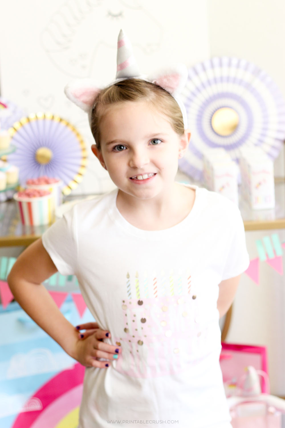 Throw this budget friendly unicorn party in only one day with these simple party planning tips!