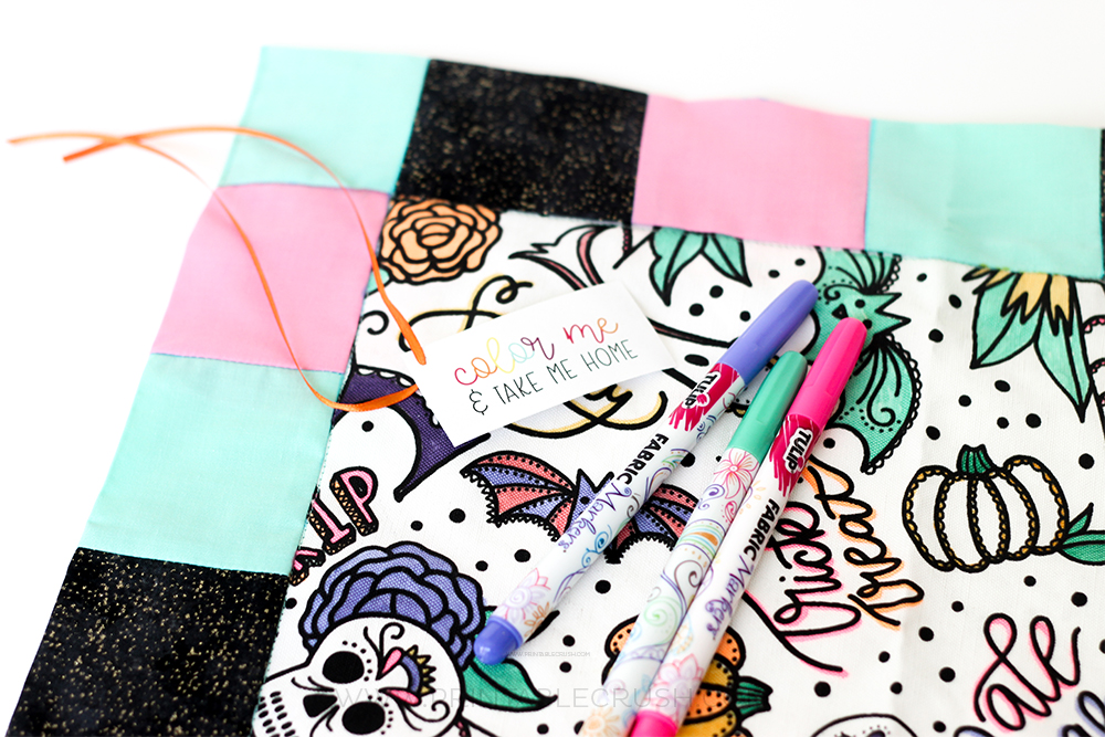This Coloring Book Napkin Party Favor Idea is such a unique gift to give your party guests! Not only is it gorgeous, but it will keep everyone entertained!