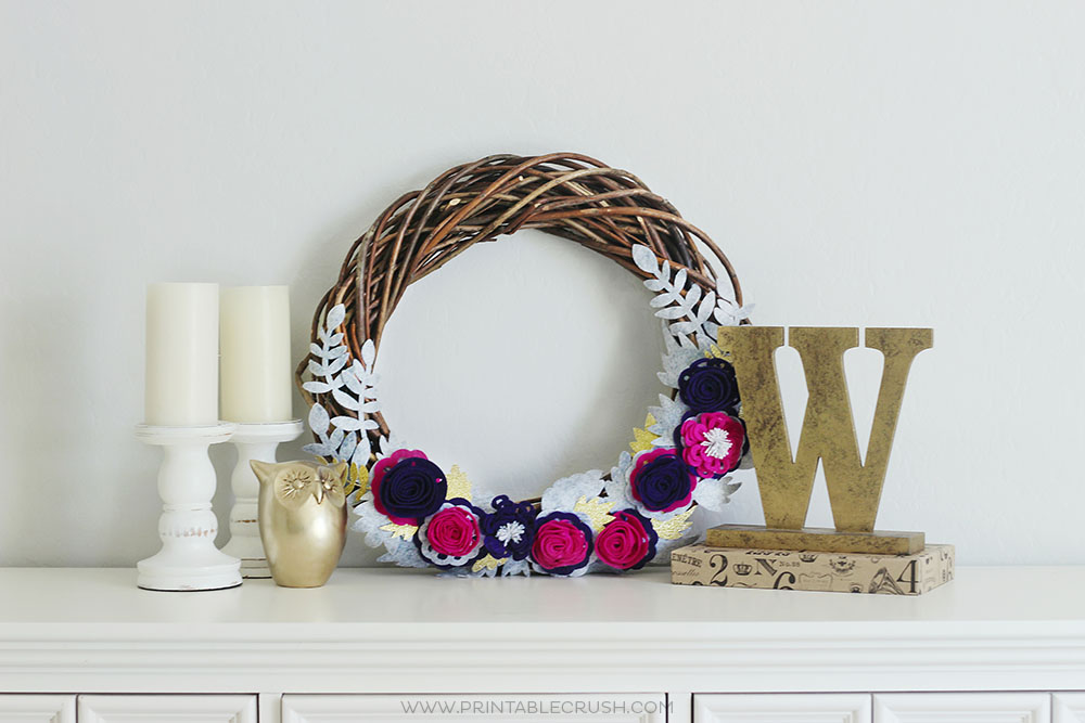 Felt Flower Fall Wreath Decor Idea